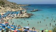Schön hier? Das dachten sich auch zahlreiche Millionäre von außerhalb der EU: Zypern verkauft schon seit Jahren Staatsbürgerschaften seines Landes.