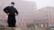 Ursprung des Pandemie-Virus oder nicht:  Das staatliche Institut für Virologie in Wuhan, das auch mit westlichen Virologen kooperiert hat?