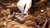 Auch Milchschokolade scheint dem Herzen zu nützen, nicht nur bittere Sorten