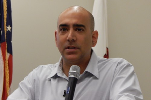 Ali Abunimah gets his day at the Evanston Public Library.