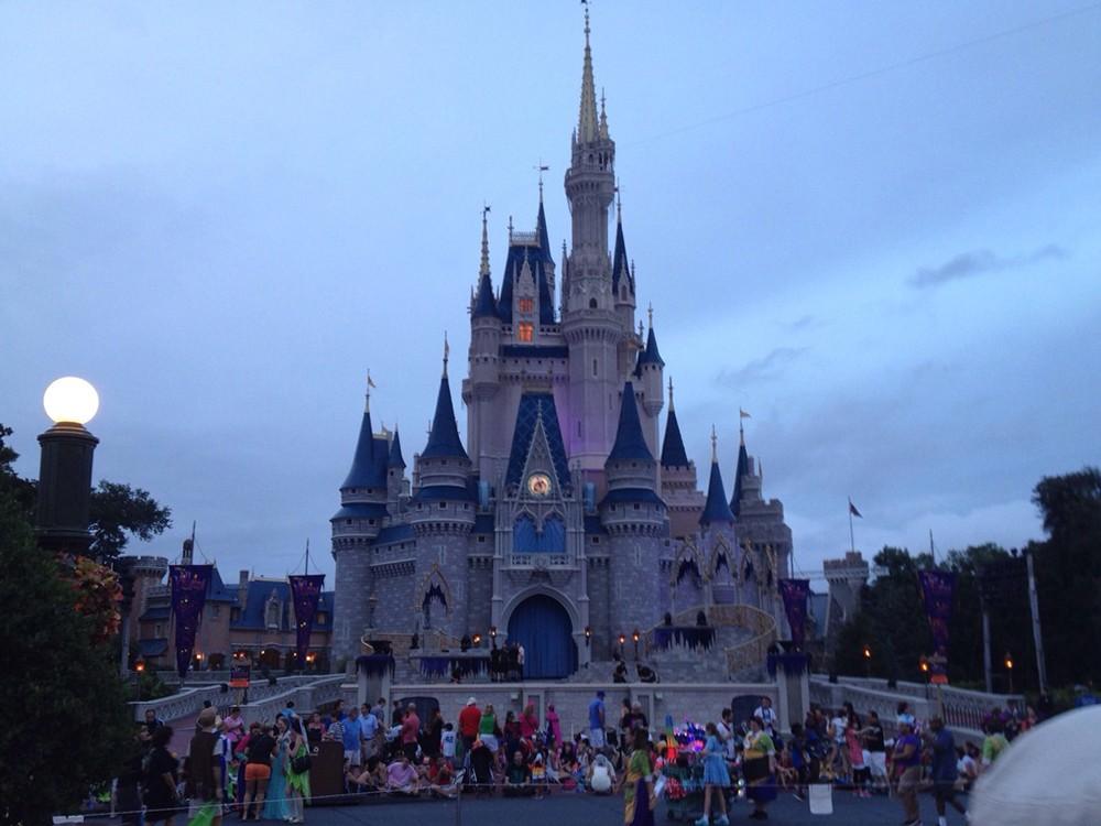 Walt Disney World, Universal Orlando closing for the rest of March ...