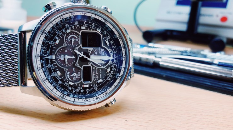 Where To Get Your Watch Repaired? Brand Manufacturer Servicing, Retail Store Servicing, or Independent Workshop?