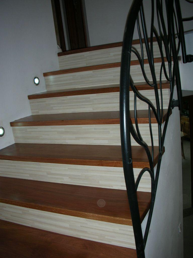 Escalier bton recouvert bois et contre marche en