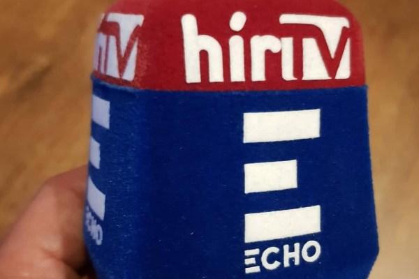 Az Echo TV és a HírTV közös mikrofonja az összevonás után. Fotó: Media1