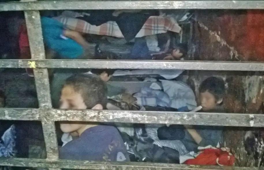 Ils sont au total 596 — 458 mineurs et 138 majeurs — trouvés mardi dans l'internat La Gran Familia créé il y a 40 ans, lors d'une opération policière menée après des plaintes selon lesquelles l'établissement situé à Zamora retenait les jeunes gens de force.