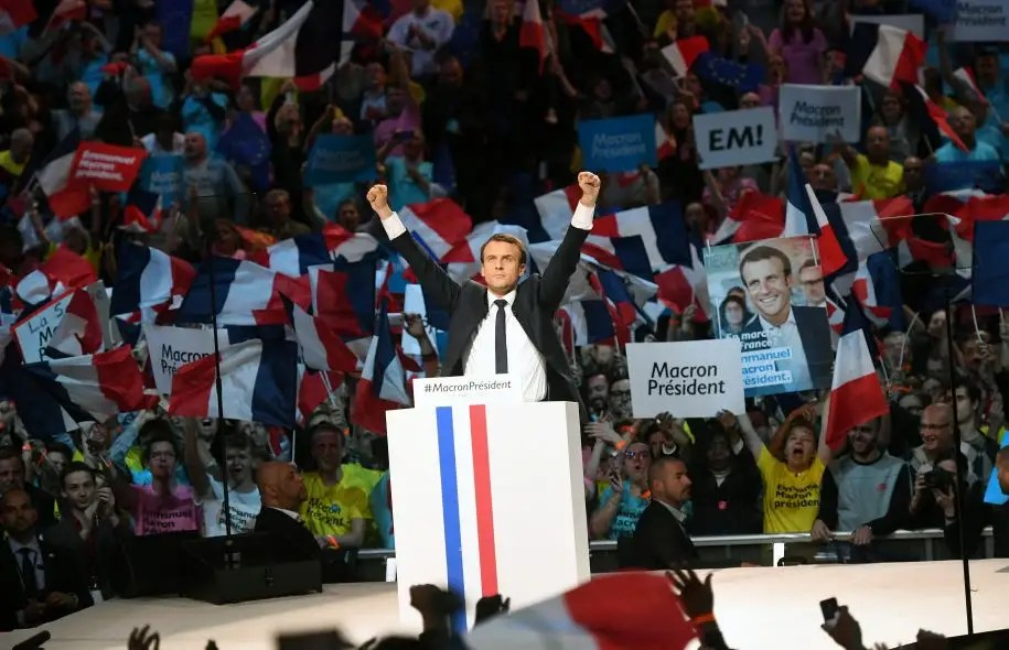 Emmanuel Macron a rassemblé quelque 20 000 personnes à Bercy, lundi, pour sa dernière grande assemblée avant le premier tour.