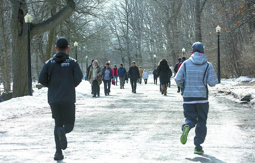 Les policiers désormais plus visibles dans les parcs de Montréal