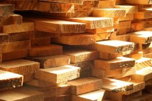 Des rabais sur le bois à venir dans les quincailleries
