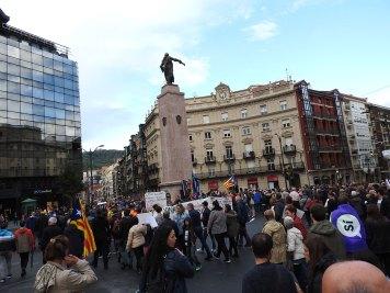 nabasali na miran protest kod spomenika Don Diego Lopez de Haro