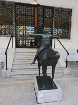 peggy-guggenheim-angel-of-the-city