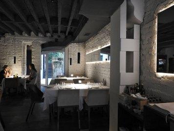 Saša bar Beograd unutrašnjost