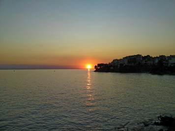 zalaza sunca u Neos Marmarasu