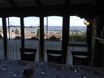 pogled iz restorana za gradom koper