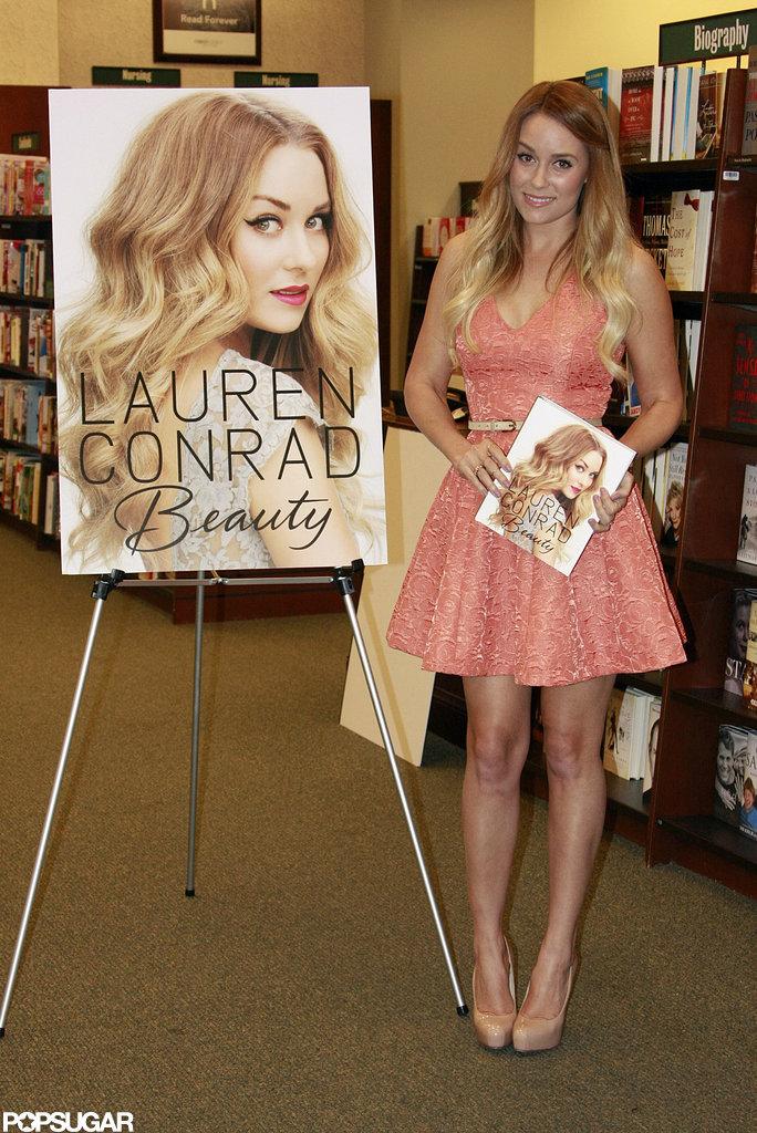 Lauren Conrad Signs Books Pictures POPSUGAR Celebrity