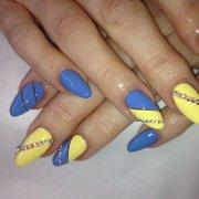nail art running manicures boston