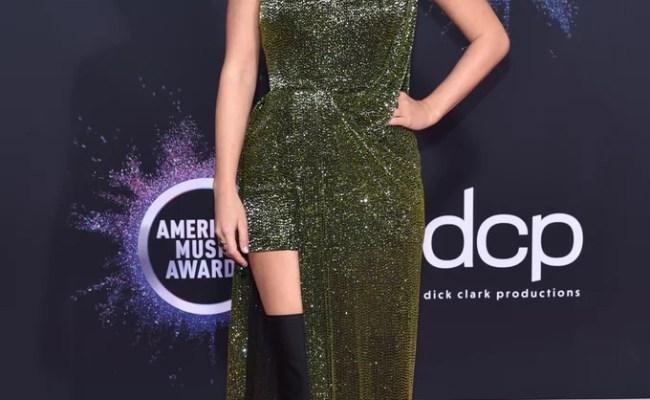 Taylor Swift At The American Music Awards 2019 Popsugar