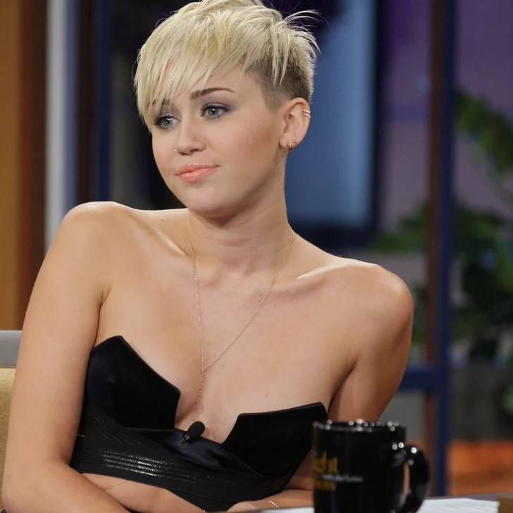 Miley Cyrus Wears A Bustier On The Tonight Show Pictures
