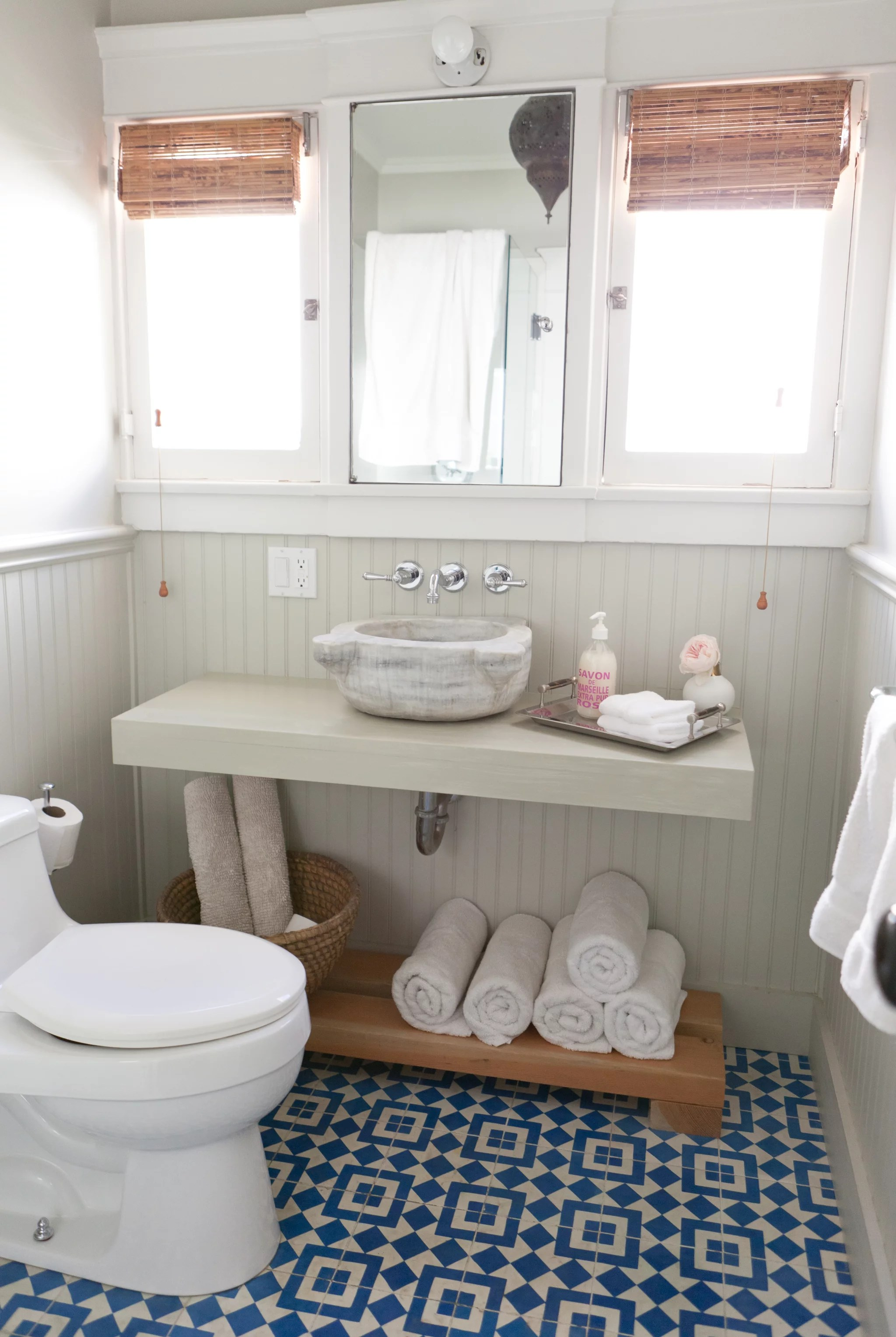 How To Organize A Bathroom How To Organize The Bathroom Popsugar Middle East Smart Living