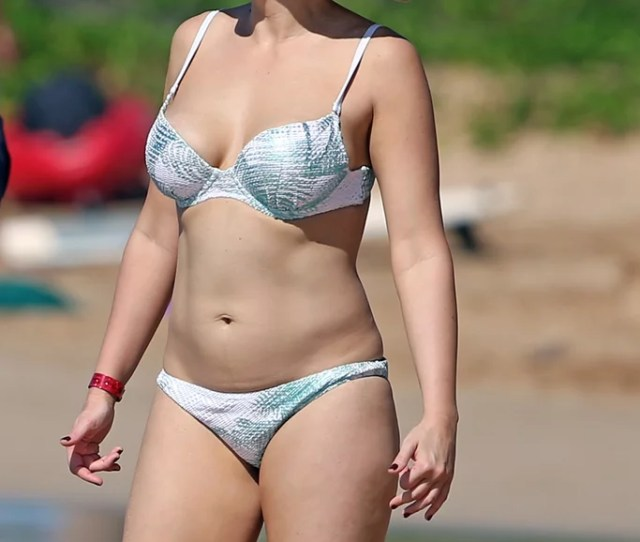 Jodie Sweetin In A Bikini In Hawaii Pictures December