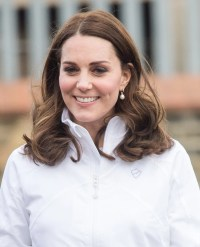 Kate Middleton Wearing Pearl Earrings