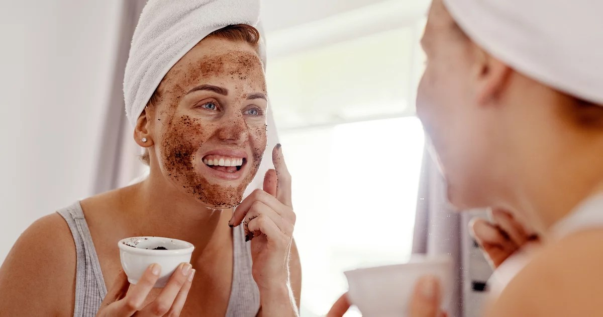 Want to make your beauty routine infinitely easier? Here are genius hacks that use household items like dryer sheets and