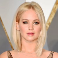 Jennifer Lawrence's Hair and Makeup at the 2016 Oscars ...