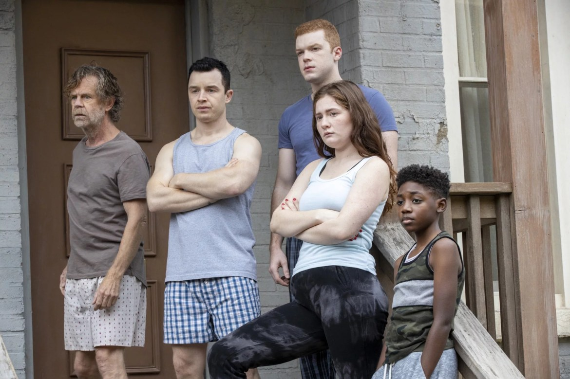 SHAMELESS, from left: Willliam H. Macy, Noel Fisher, Cameron Monaghan, Emma Kenney, Christian Isaiah, Nimby', (Season 11, ep. 1104, aired Jan. 10, 2021). photo: Paul Sarkis / Showtime / Courtesy Everett Collection