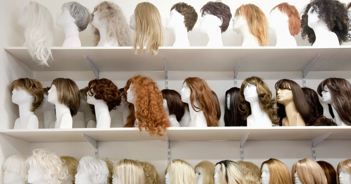 A Beginner's Guide to Buying Wigs and Wearing Weaves