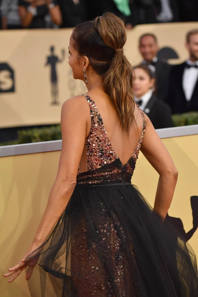 Halle Berrys Shaved Hair At The 2018 SAG Awards