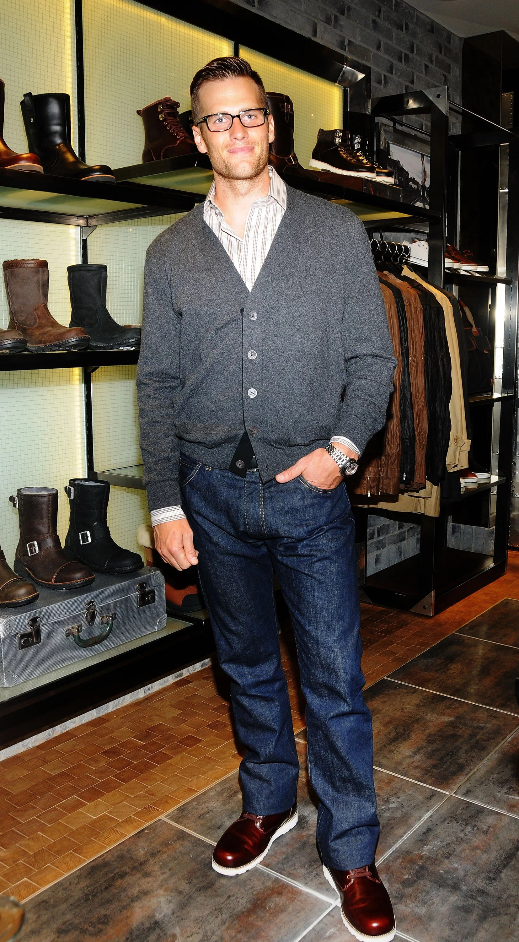 Tom Brady Ugg Model - Tom Brady And His Uggs Ugg Boots Ugg Bailey Boots Ugg Snow Boots / However. on thursday it was back to work as tom brady was ...