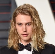 long hairstyle ideas men