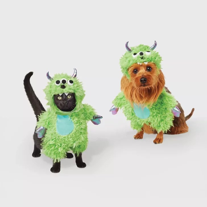 Whether it's a dog costume or cat costume you are looking to put on your furry friend we've got the best selection around. Pet Halloween Costumes For Cats And Dogs At Target 2020 Popsugar Pets