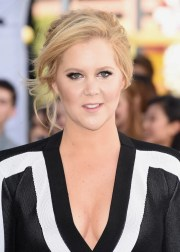 amy schumer hair and makeup