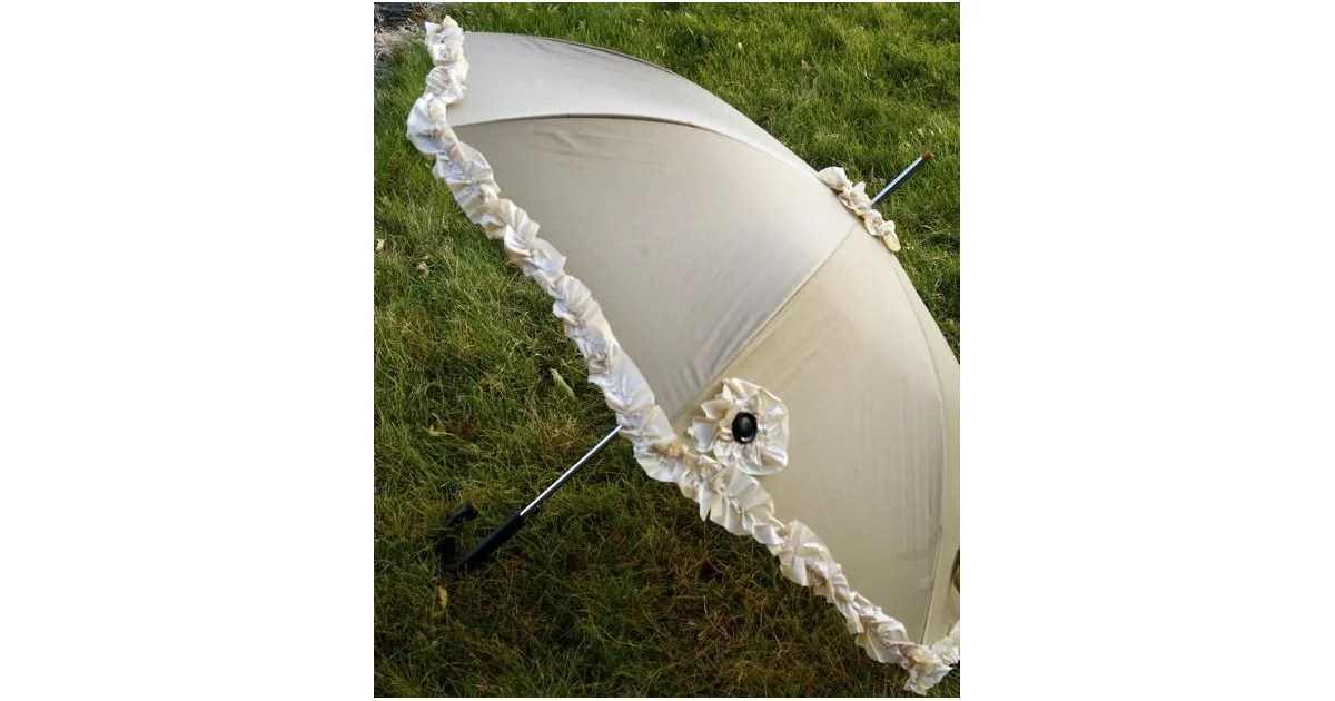 Umbrella With Ruffles  DollarStore Item DIY Projects