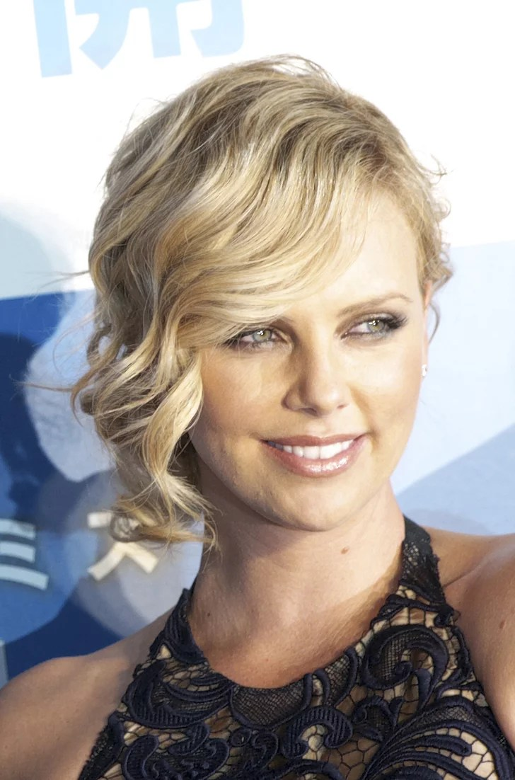 Photo Of Charlize Theron At Hancock Premiere How To Get