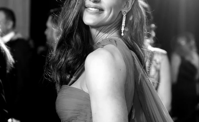 Jennifer Garner Black And White Pictures From The 2018