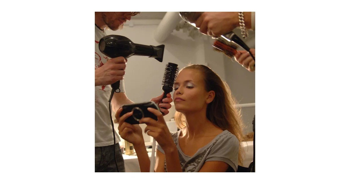 Tips To Beat Dry Hair Hair Lose Thinning Hair And Brassy Blonde Tones Popsugar Beauty Australia