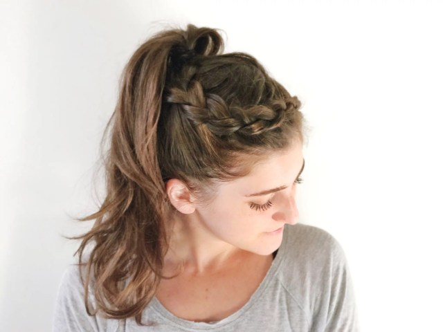 easy braid hairstyle for the gym | popsugar fitness