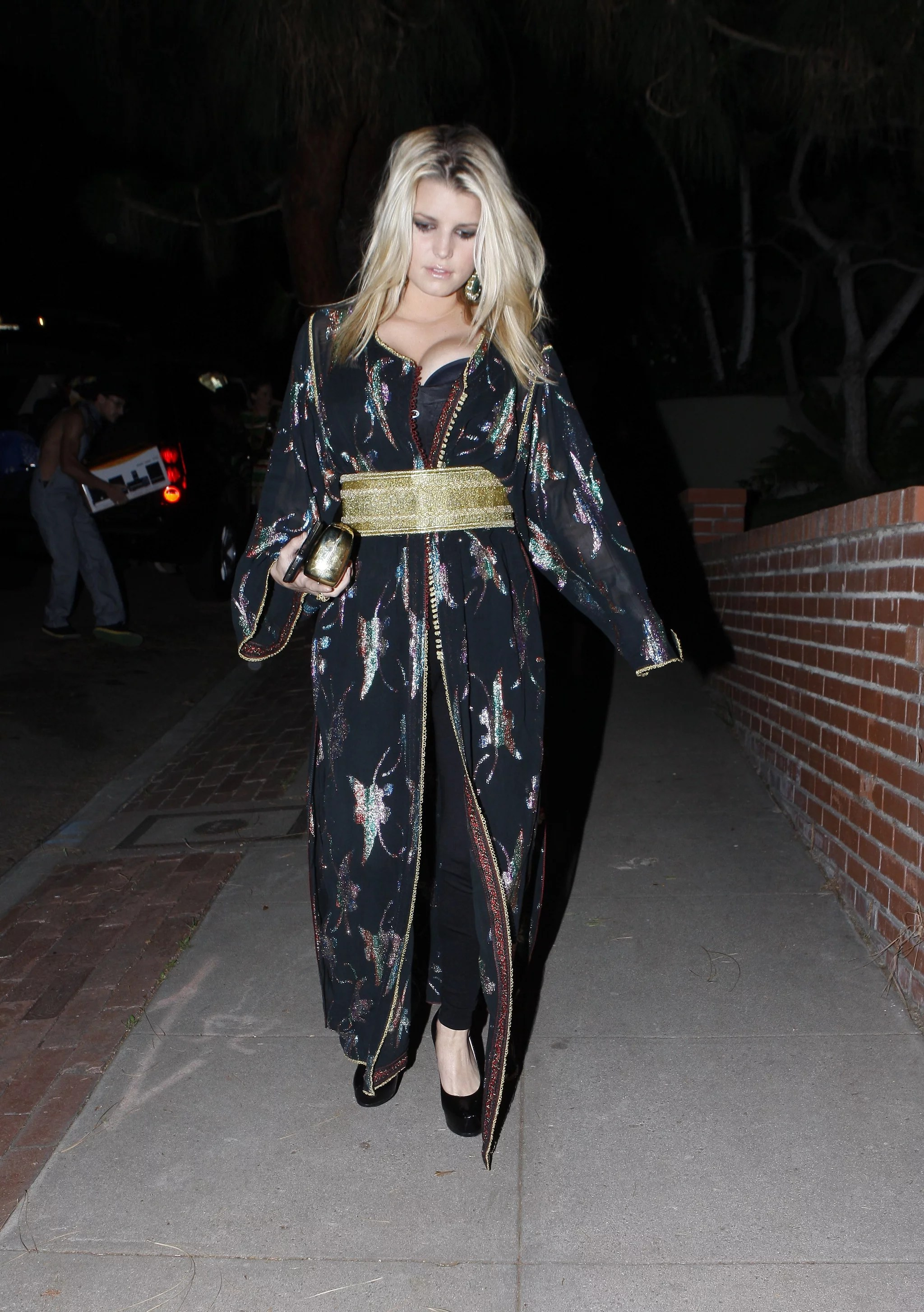 Photos of Jessica Simpson Barefoot Out on Halloween