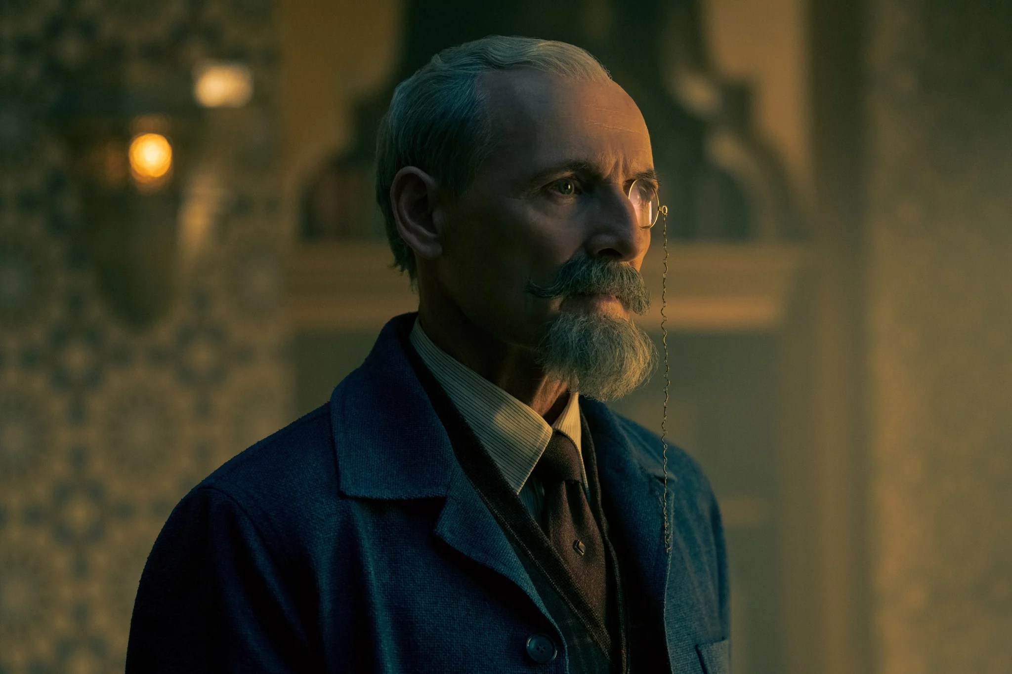 THE UMBRELLA ACADEMY, Colm Feore, The End of Something, (Season 2, ep. 210, aired July 31, 2020). photo: Christos Kalohoridis / Netflix / Courtesy Everett Collection