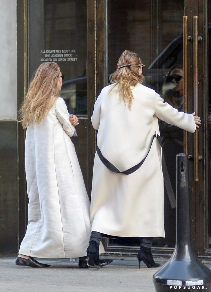 MaryKate and Ashley Olsen Smoking in NYC 2015 Pictures