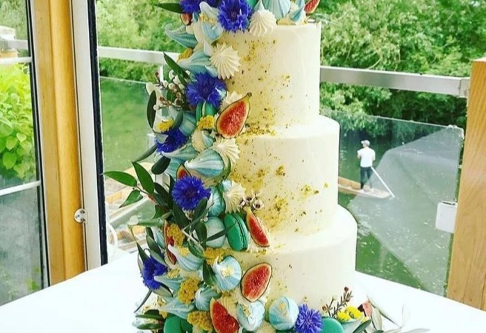 Modern Wedding Cakes Popsugar Love Uk