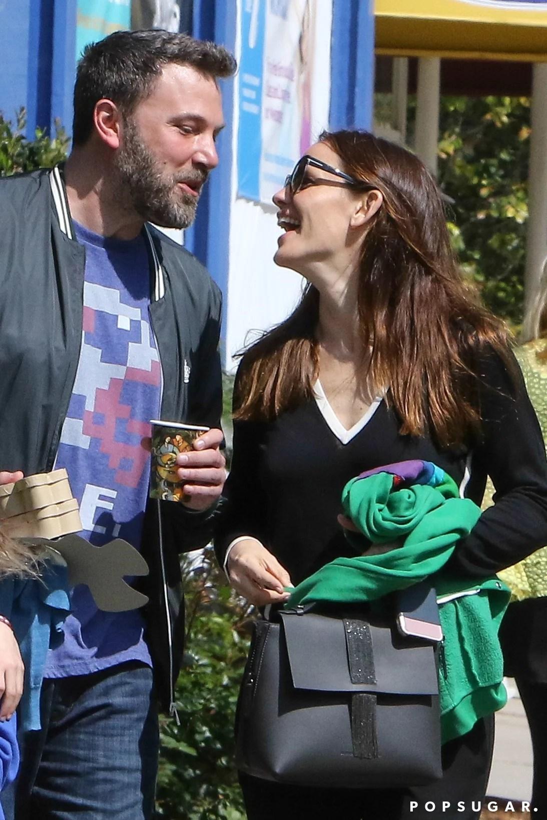 Ben Affleck fende Jennifer Garner su durante luscita della famiglia in LA