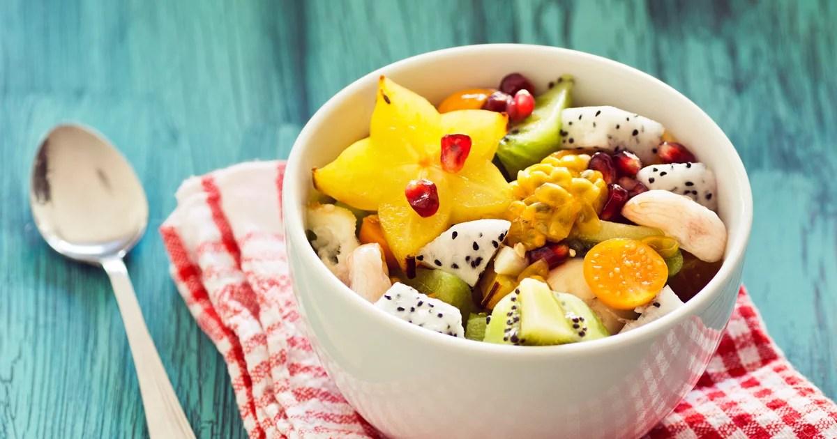 10 Hacks For Putting Together the Freshest Fruit Salad This Summer