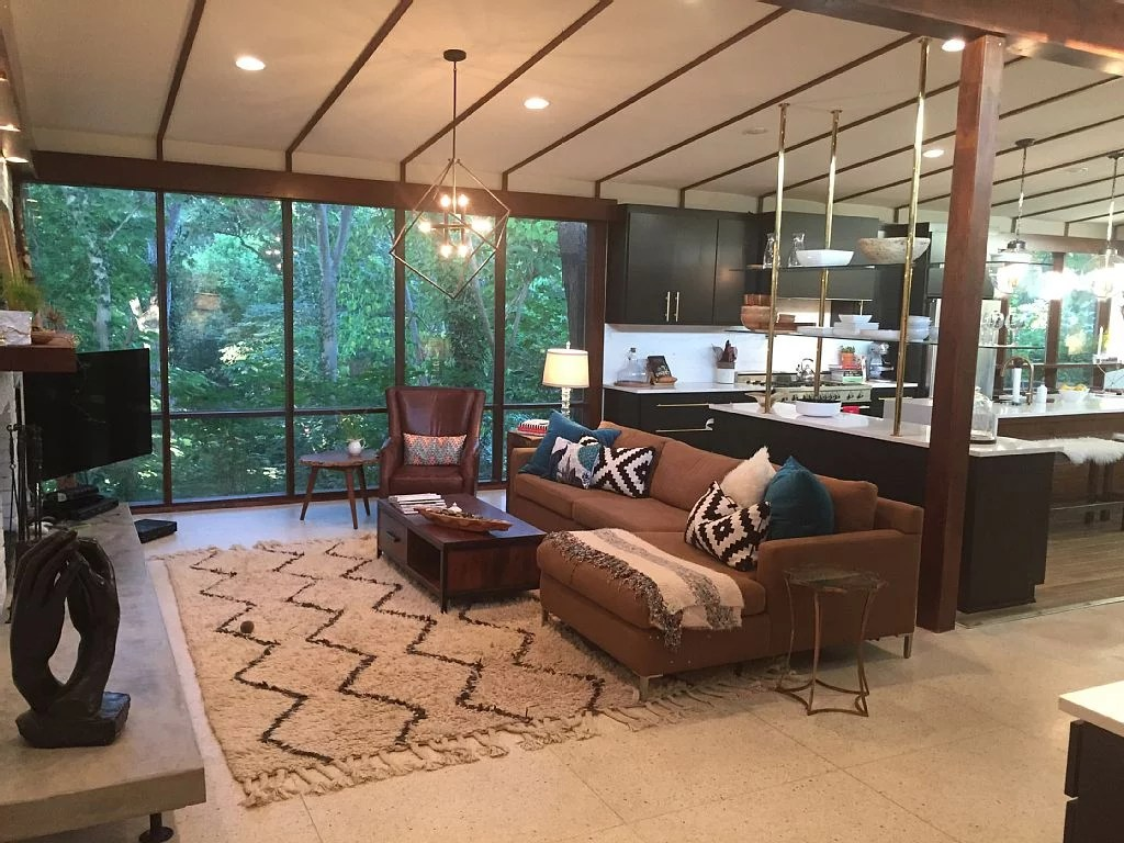 HGTV Fixer Upper Homes Available For Rent on HomeAway  POPSUGAR Home Photo 3