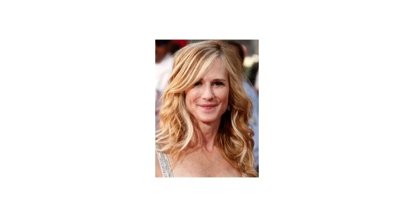 Photo of Holly Hunter at the 2009 Primetime Emmy Awards ...