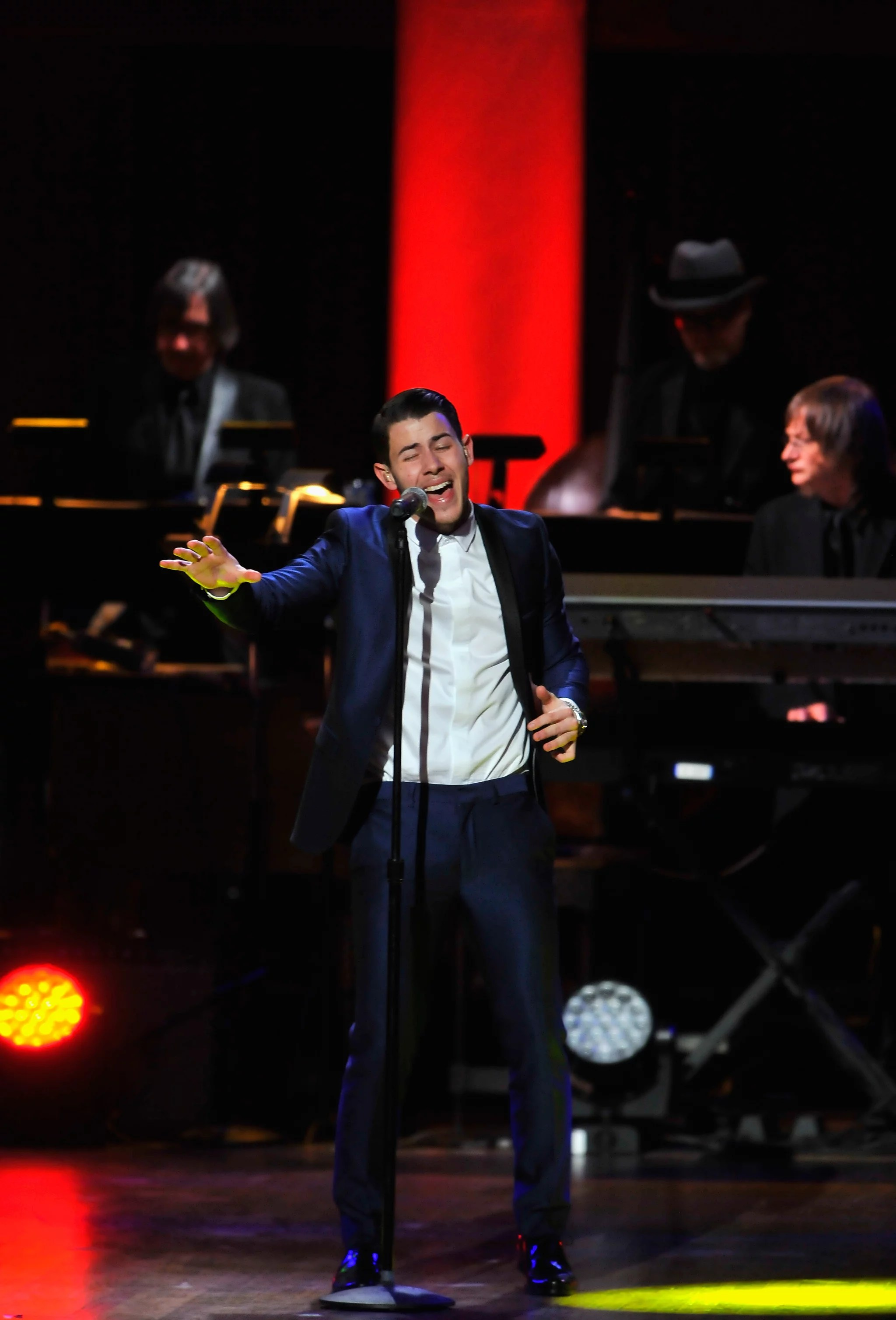Nick Family Singing Show : family, singing, Jonas, Suited, Lincoln, Awards:, Concert, Can't-Miss, Celebrity, Pics!, POPSUGAR, Photo