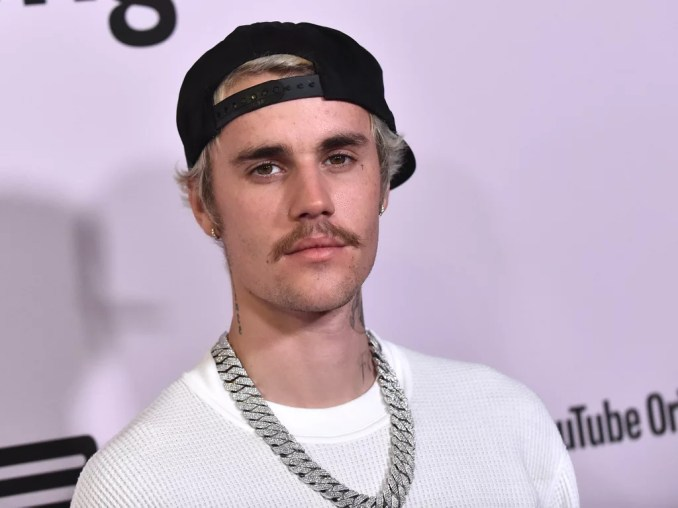 Justin Bieber Changes Tour Dates