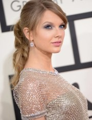 taylor swift's hair and makeup
