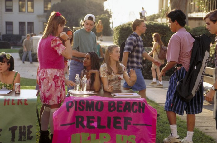 CLUELESS, (seated center) Stacey Dash, Alicia Silverstone, 1995, (c) Paramount/courtesy Everett Collection